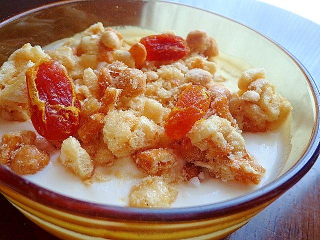 甘いトマト甘納豆とさくさくナッツヨーグルト