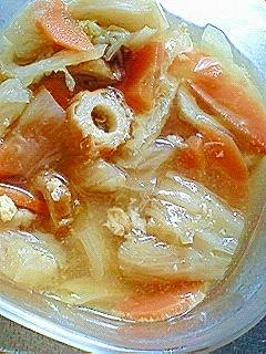 冬の★白菜・人参・ちくわ・油揚げの味噌汁