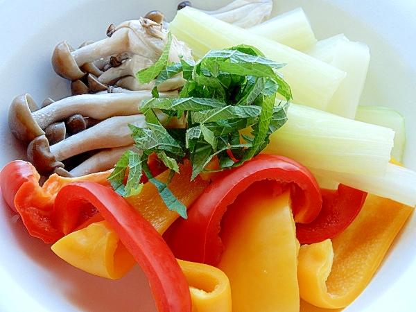 3. 蒸し野菜サラダ
