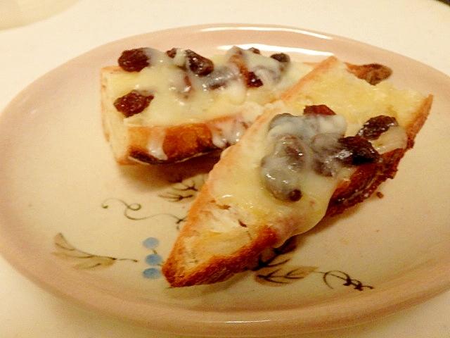 レーズンチーズトースト