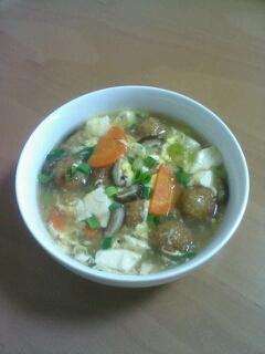 市販の肉だんごで簡単♪肉だんごと豆腐の中華スープ煮