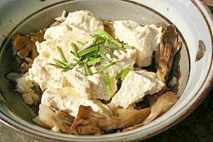 簡単・あったか☆豆腐とキノコの蒸し物