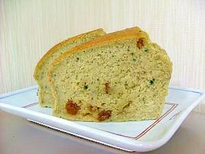 おからと米粉でしっとりよもぎケーキ