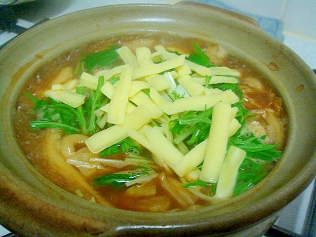 5. チーズとろりの味噌煮込みうどん