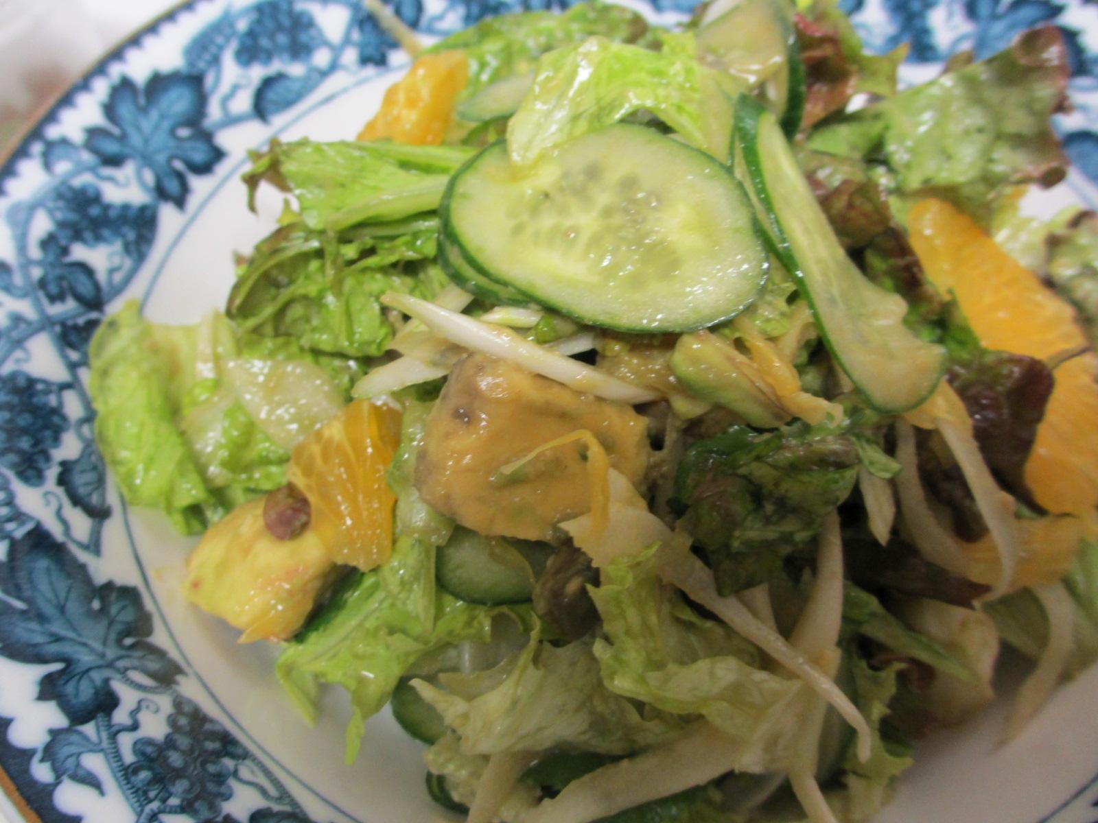 八朔とアボカドのレタスサラダ