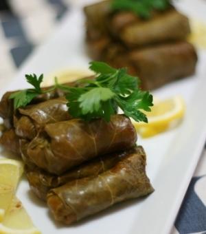 トルコ家庭料理★肉なしブルグル入り、葡萄の葉ロール