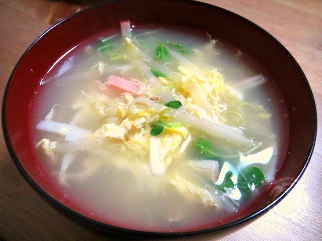 もやしとカニカマのたまごスープ