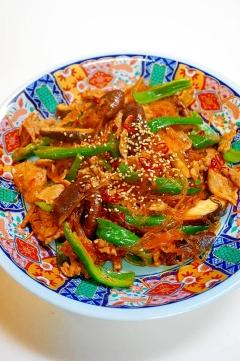 ご飯が止まらない!椎茸と豚肉と春雨のピリ辛炒め