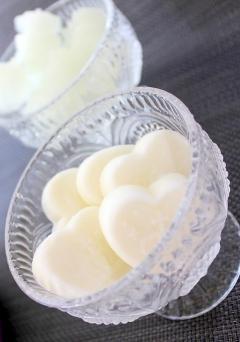 なめらか手作りカッテージチーズと乳清のレモンアイス