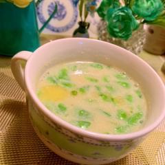 スナップえんどうと新玉葱の豆乳スープ