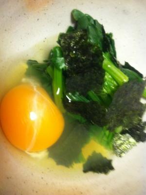 子どもも食べる☆ほうれん草のお浸し+生卵!
