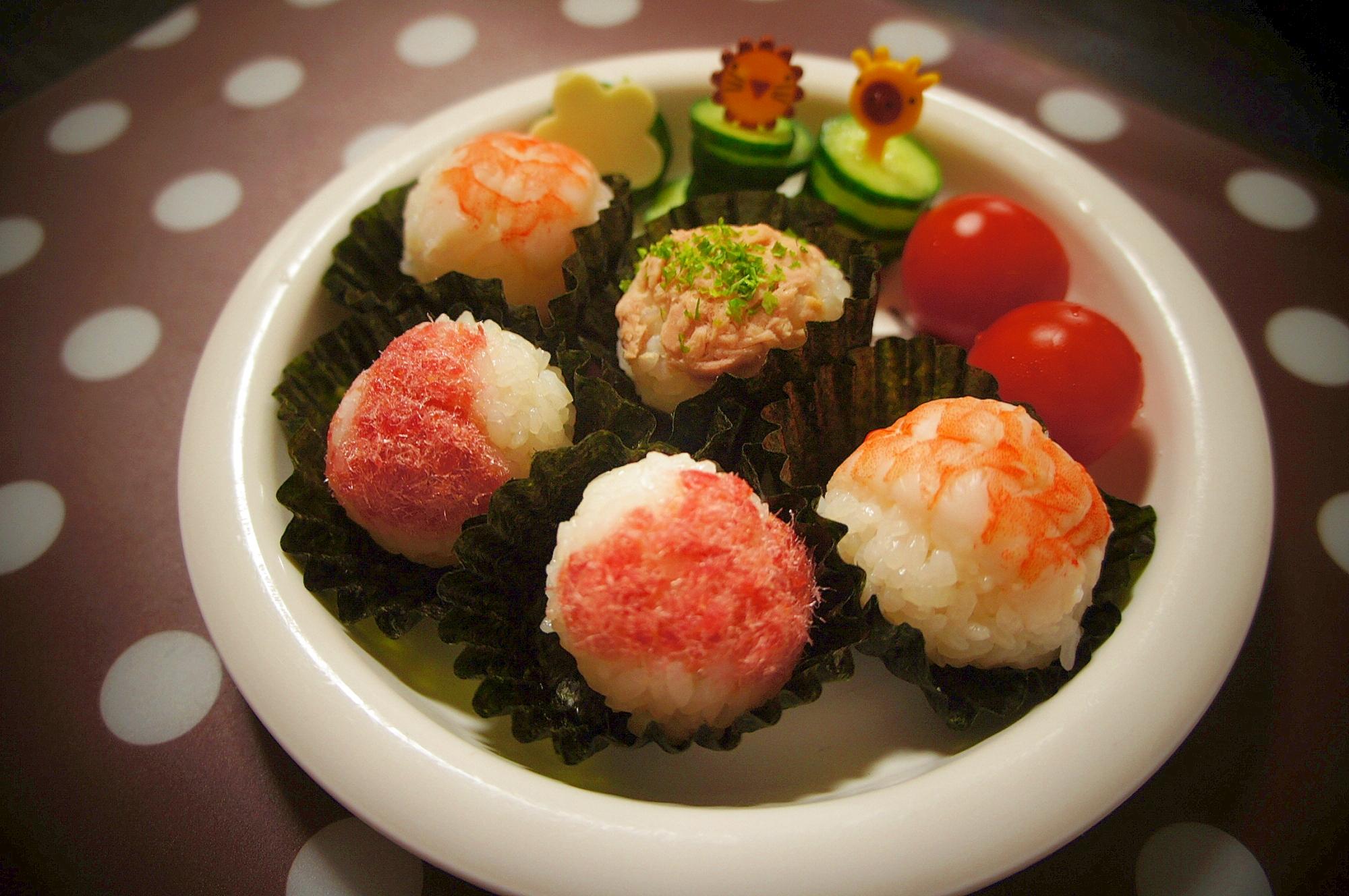 4. サラダエビで作る幼児用手まり寿司