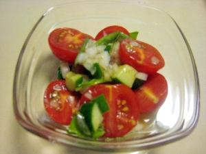 トマト と きゅうり の マリネ