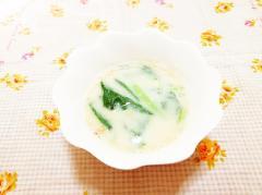 ブロッコリーの葉の豆乳スープ