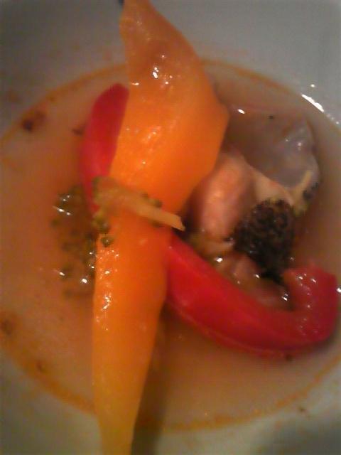 パプリカと鶏肉の冷製ミルクラー油スープ♪