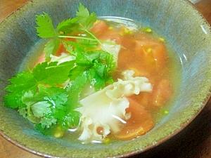 おでん汁でハナビラダケとトマトのスープ