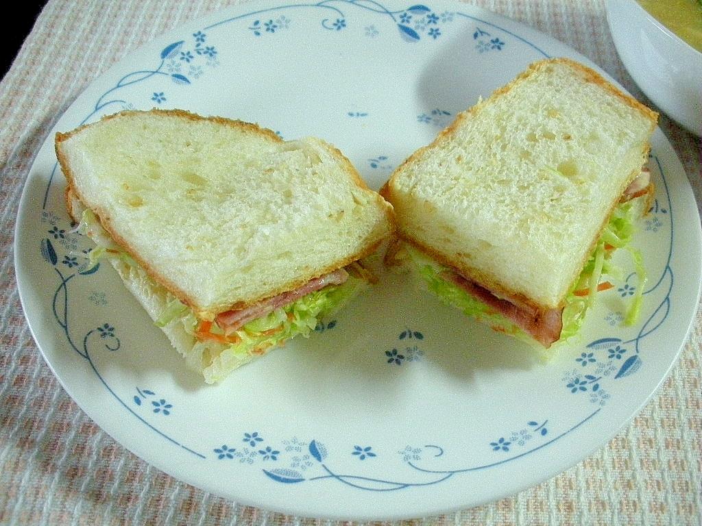 ☆コールスローとベーコンのサンドイッチ☆
