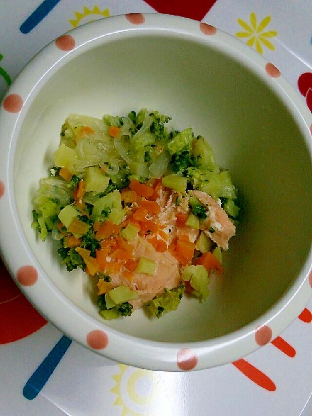離乳食☆鮭と玉ねぎ、人参、ブロッコリーのホイル焼き