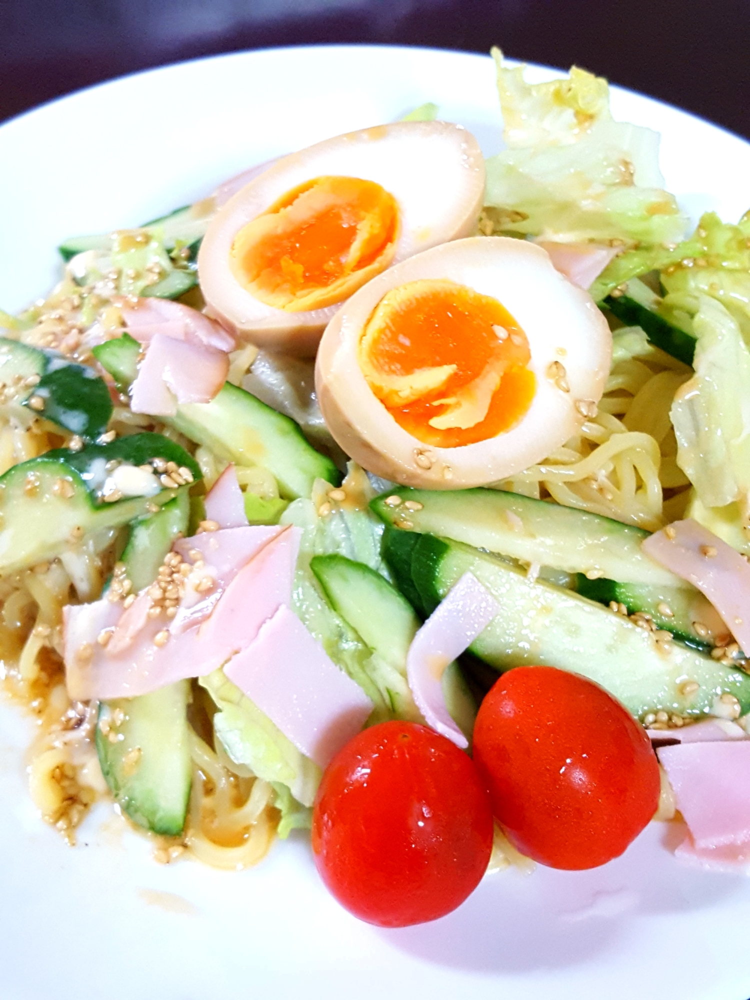 15. 手作りゴマダレのラーメンサラダ