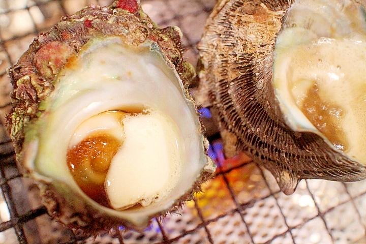 【バーベキュー気分】サザエの壺焼き、バター牡蠣醤油