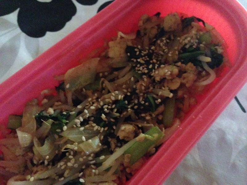 もやしと小松菜とひき肉のXO炒めどん。