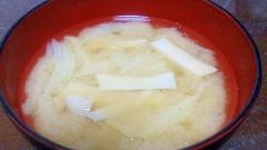 キャベツの芯とエリンギのお味噌汁