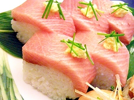 生姜を利かせて♪ブリの押し寿司風