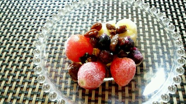 大人のヘルシー夏スイーツ、色々果実のラムレーズン