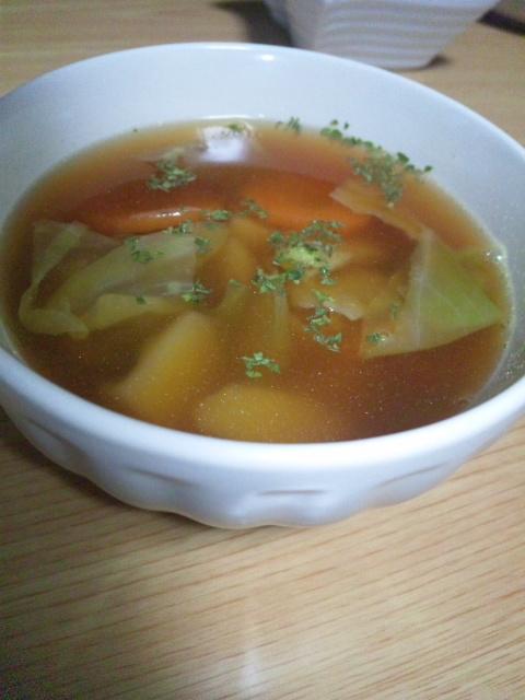 かまたまチキンラーメンのスープで!野菜チキンスープ