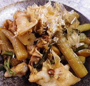 山菜ふきと豚の簡単煮物