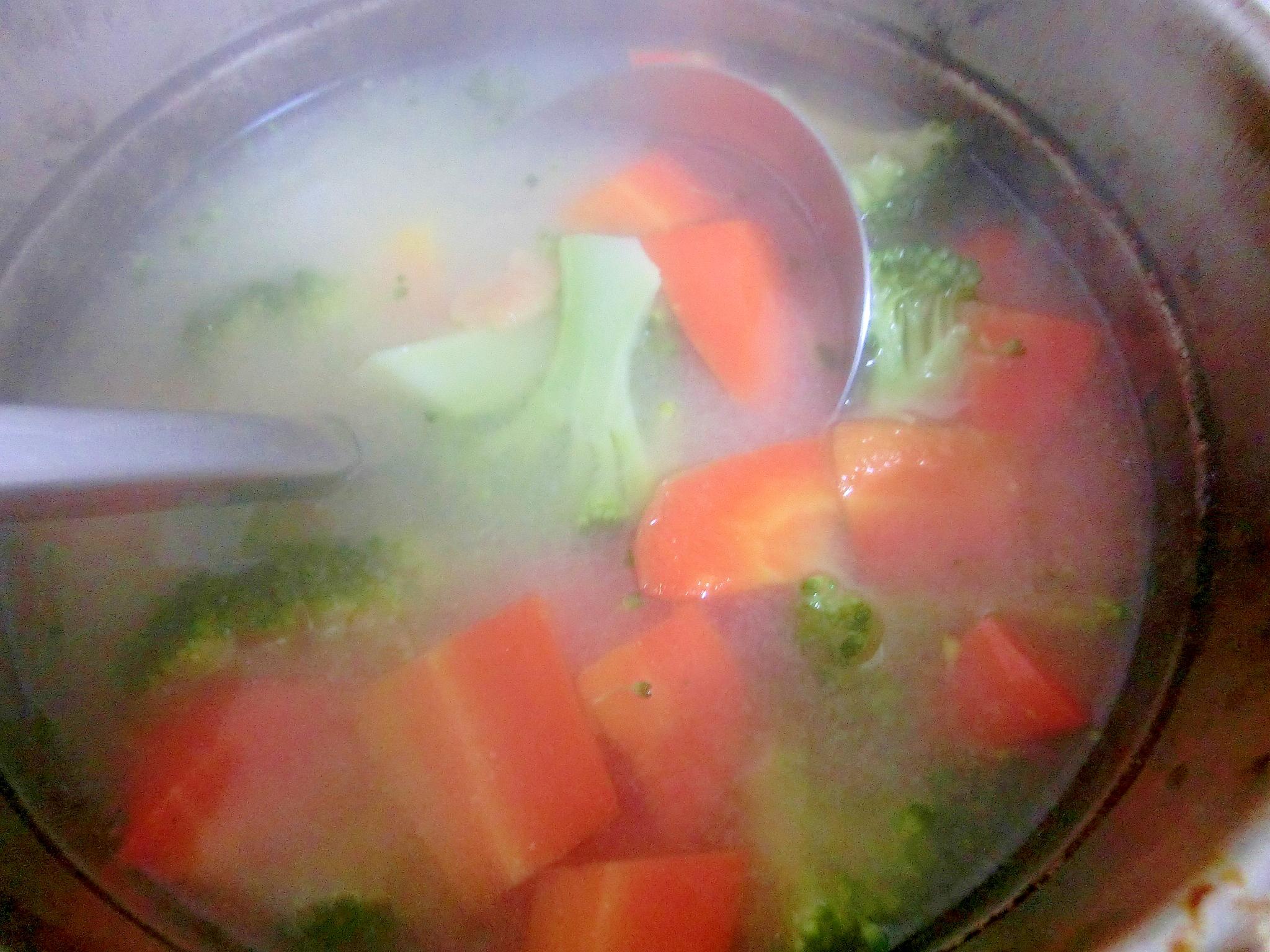 ブロッコリーと人参のスープ