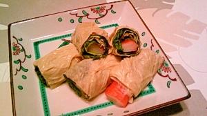 湯葉のレタス・カニカマ巻、生姜風味煮