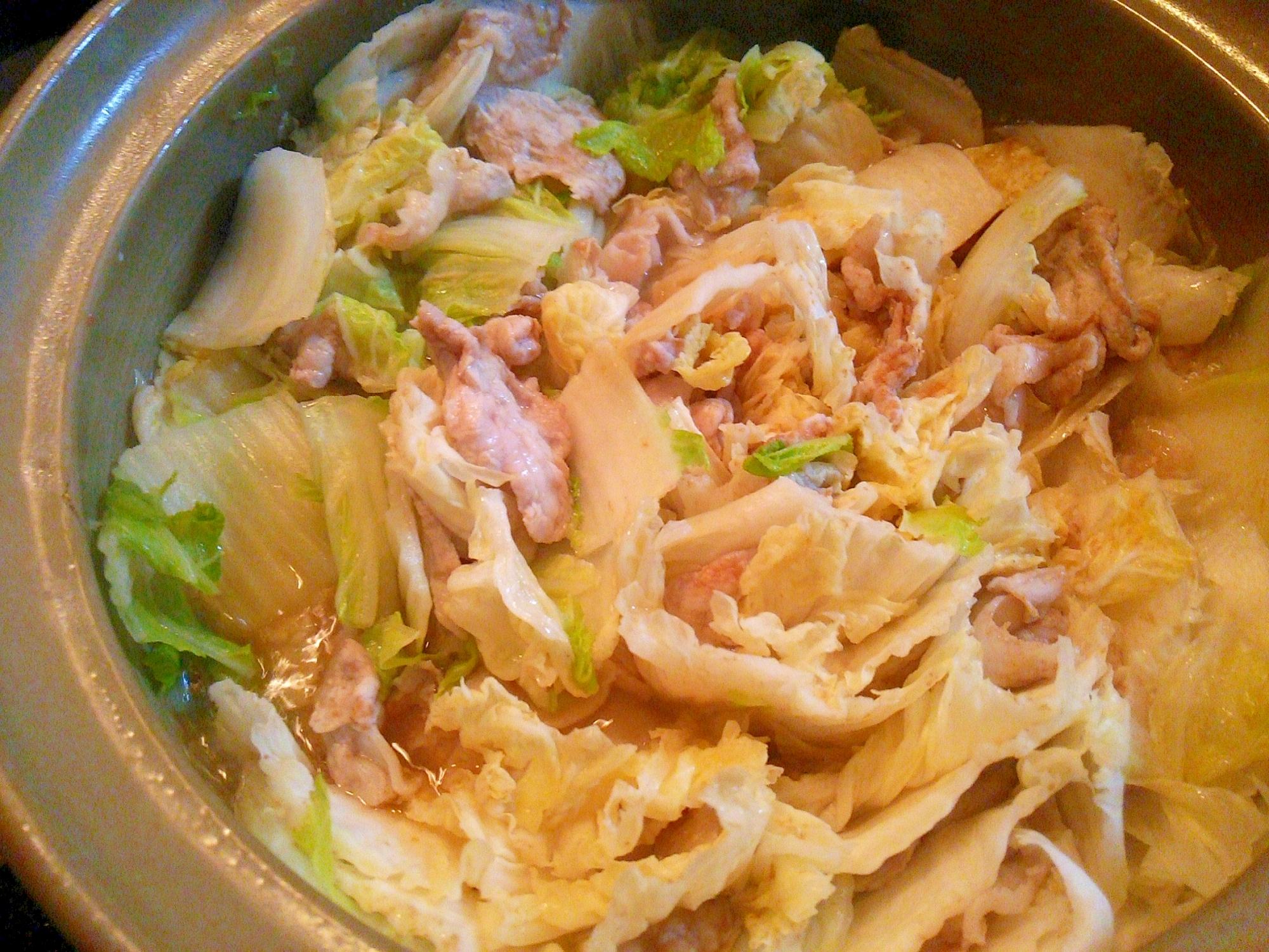 1. 白菜と豚肉の無水蒸し鍋