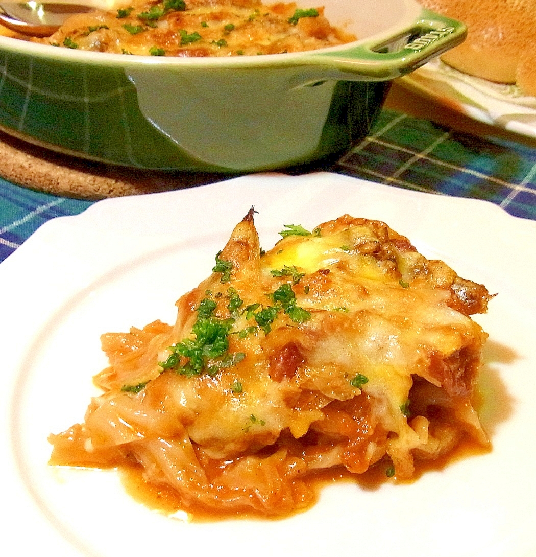 めざしとキャベツのトマト煮込みチーズ焼き