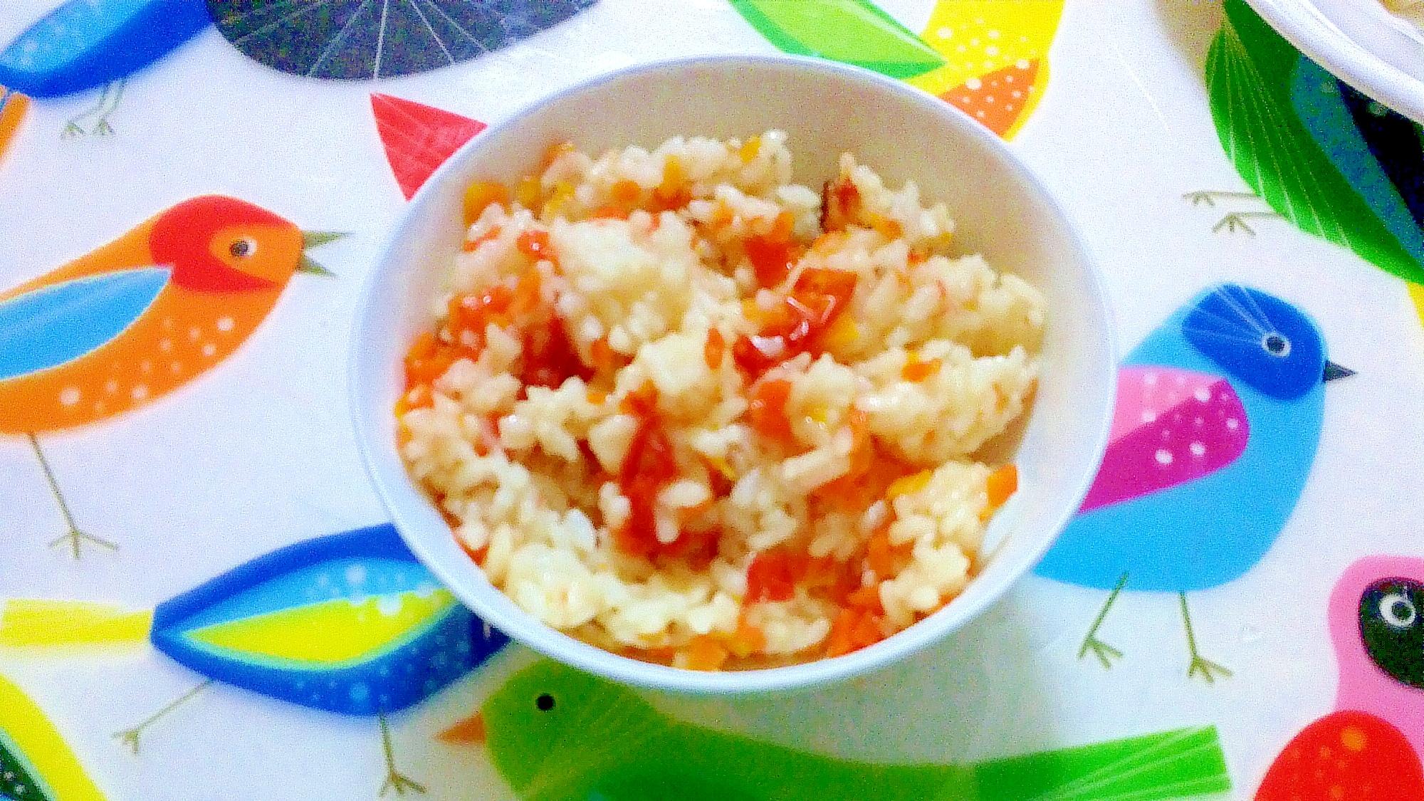 圧力鍋で、ニンジンとミニトマトの炊き込みご飯