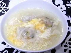 冷凍餃子で作る水餃子