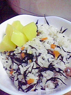 簡単ヘルシー☆ひじきと大豆の塩糀ごはん♪