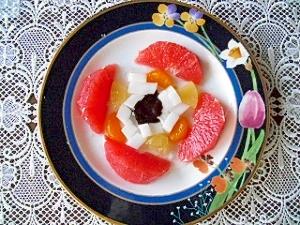 フルーツと杏仁豆腐のチョコレート添え