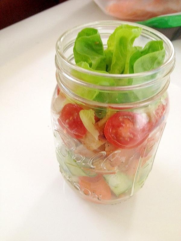 巻き巻き野菜とクルトンのメイソンジャーサラダ