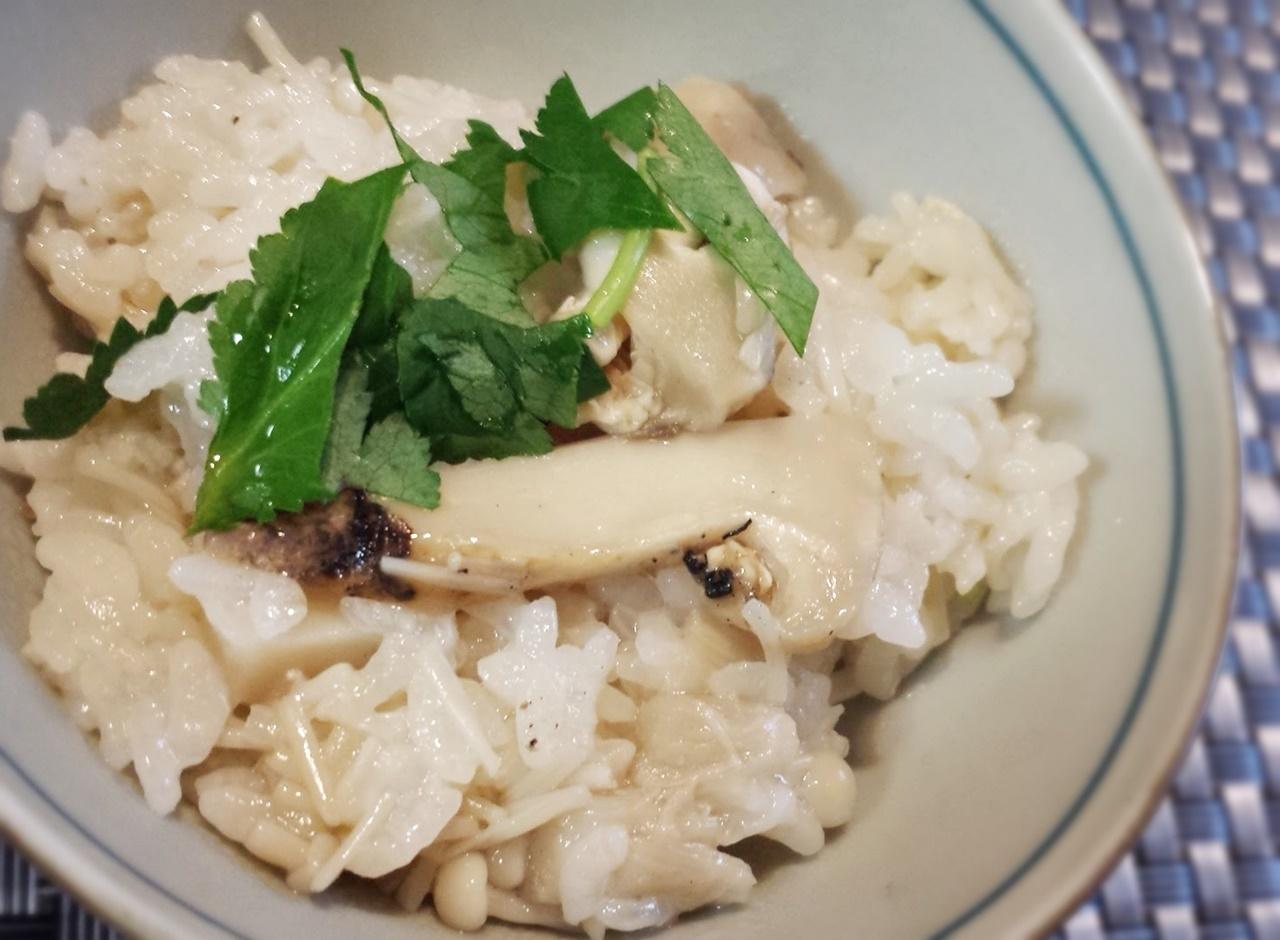 エノキたっぷりシャキシャキの松茸ご飯