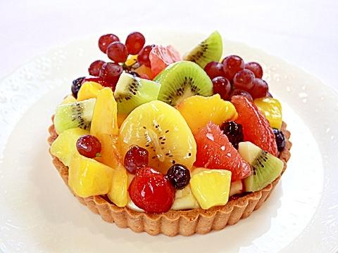 フレッシュフルーツの贅沢タルト