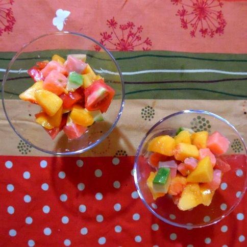 桃とサーモンのサイコロサラダ