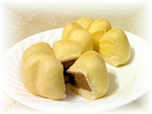 ツートンカラーのクリームパン