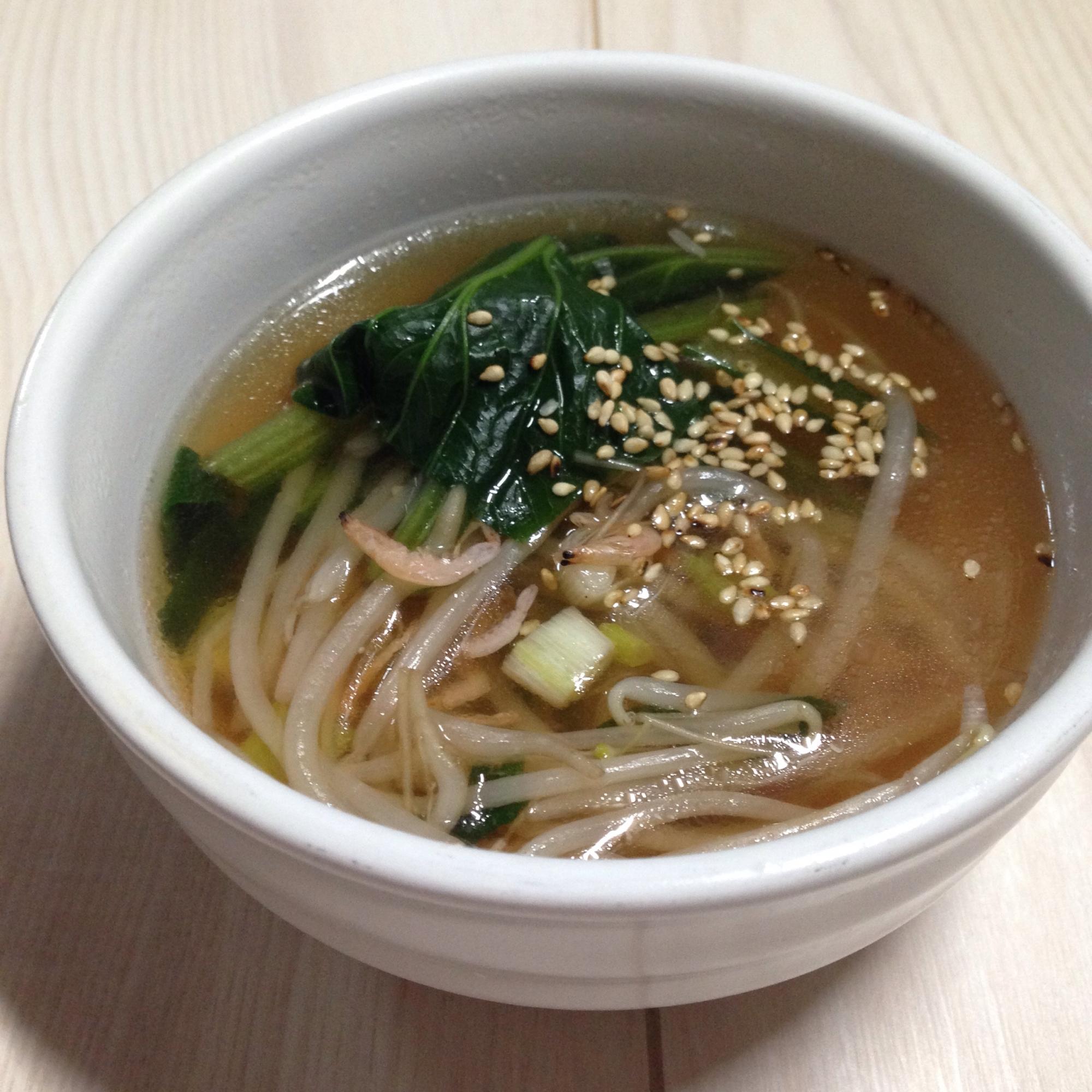 13. 小松菜ともやしの干しエビ旨味スープ