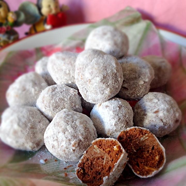 1. ショコラのスノーボールクッキー