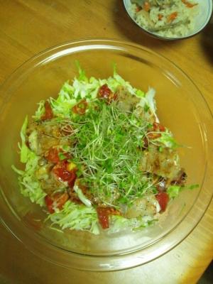 豚バラとトマトの黒こしょう焼サラダ