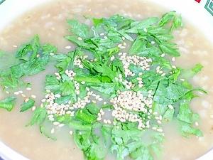 おでんの残り汁で(つゆだく)玄米雑炊