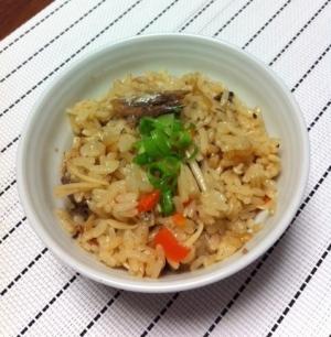 缶詰で簡単に♪お魚の炊込みご飯☆
