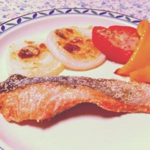*サーモンと彩り野菜のオーブン焼き*
