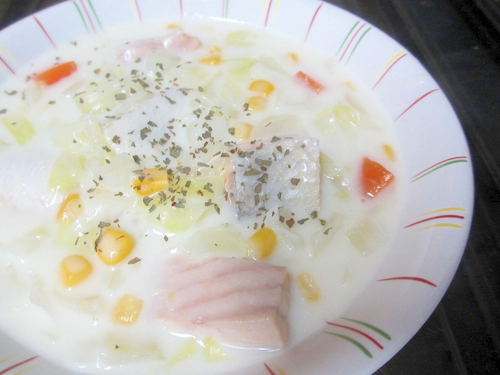 圧力鍋で鮭とキャベツのコーンシチュー